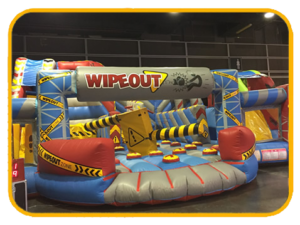 Castillo wipeout triple 12,4 x 12 x 5,6 m